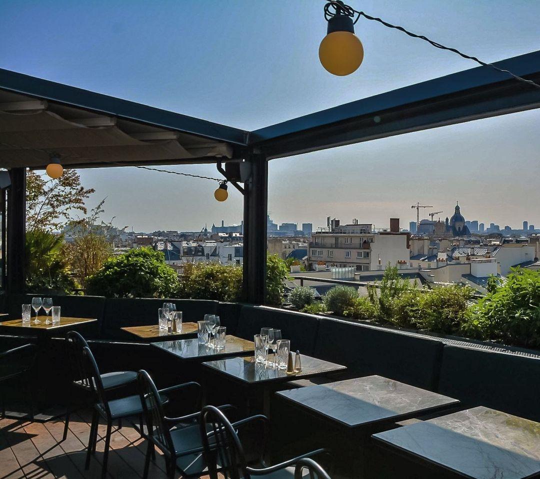 rooftop paris cocktail