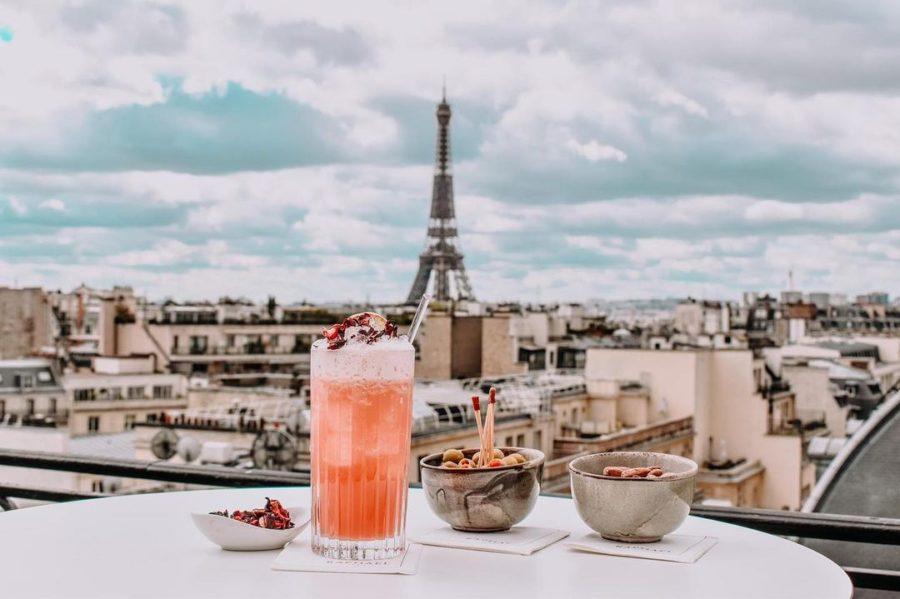 Les 20 rooftops où siroter son cocktail cet été à Paris